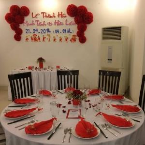 Tiệc đón dâu tổ chức tại Hồng Hải với tông đỏ rực rỡ